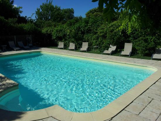 Hotel Le Mas Saint Joseph: zwembad