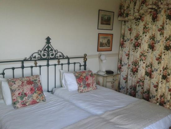 Sherwoods Country House: Standard room