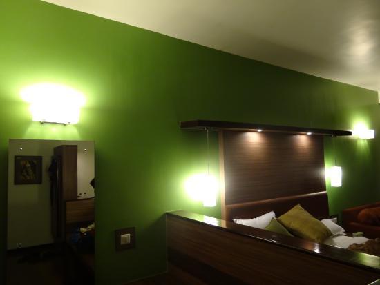 Nahar Retreat & Wellness Spa Resort: lawn like bed