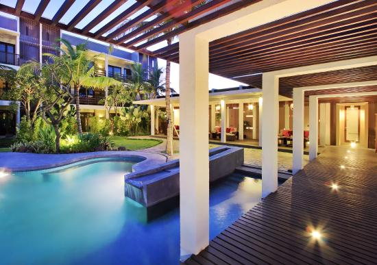 Kokonut Suites : pool