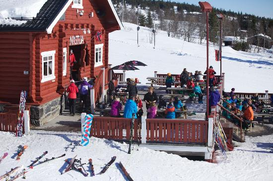 Skeikampen, Noruega: Nystua
