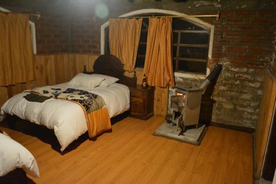 Hosteria Alpaka Quilotoa: View from the door - room had two queen beds