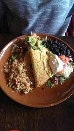 Popocatepetl: Margaritas, taco, corn and mixed fajitas!