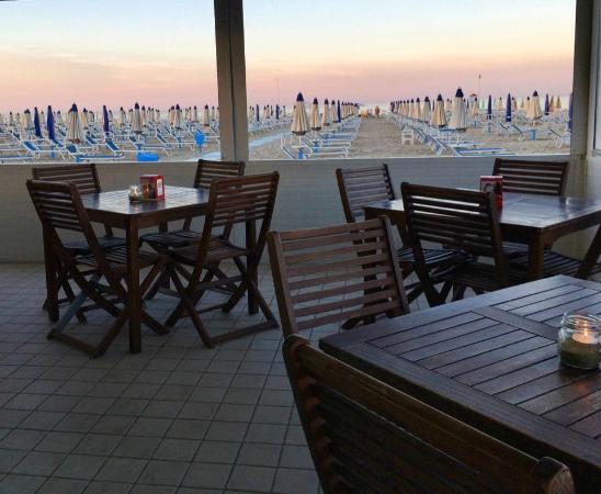 Bellariva beach ristorante recensioni numero di telefono foto tripadvisor - Bagno 44 rimini ...