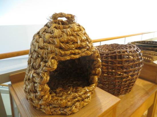 National Museum of Ireland - Country Life : Another use for straw