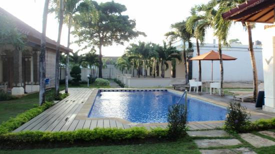 Bali Breezz Hotel: Pool