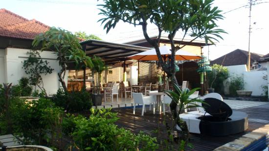 Bali Breezz Hotel: Restaurant