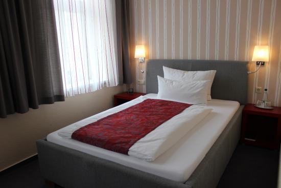 Breites Bett einzelzimmer 1 40 m breites bett picture of 1a aparthotel zwickau
