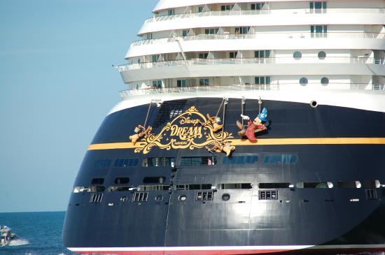 Sandy Point, Île de Great Abaco : Back of Disney Dream