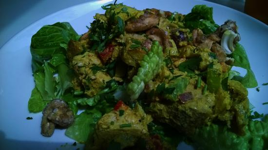 Scratch Restaurant & Lounge: Curry Chicken Salad