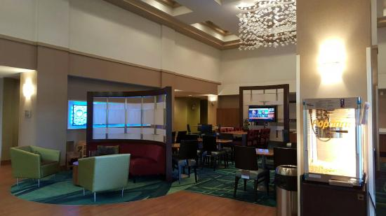 SpringHill Suites Chicago Southwest at Burr Ridge/Hinsdale : Lobby