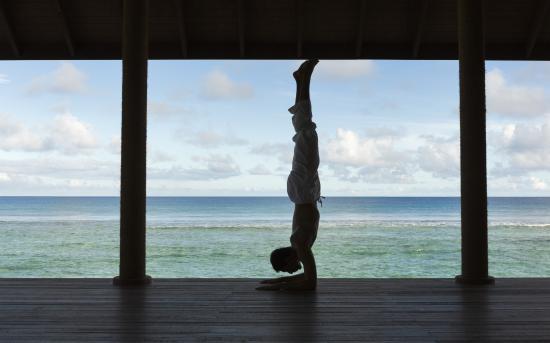 Anantara Veli Maldives Resort: Yoga Pavilion