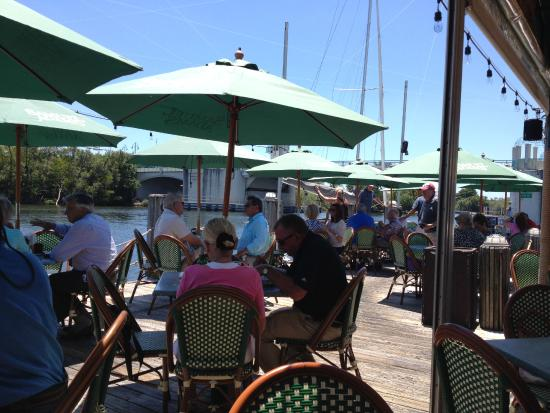 Two Georges Waterfront Grille: Outside dining on the ICW.  Two Georges