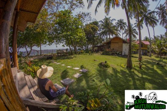 Krui Mutun Walur Surf Camp Guest House