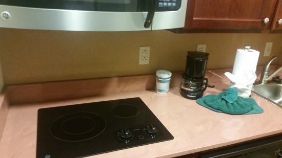 Homewood Suites by Hilton East Rutherford-Meadowlands: Kitchen in suite