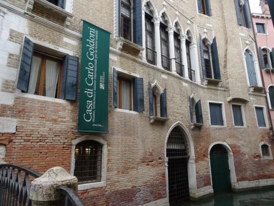 Risultati immagini per la casa goldoni venezia