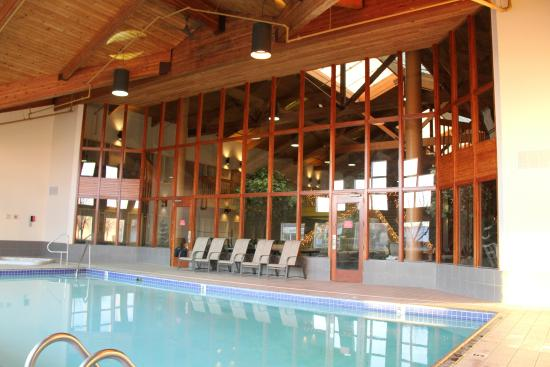 C Mon Inn Grand Forks Pool Room