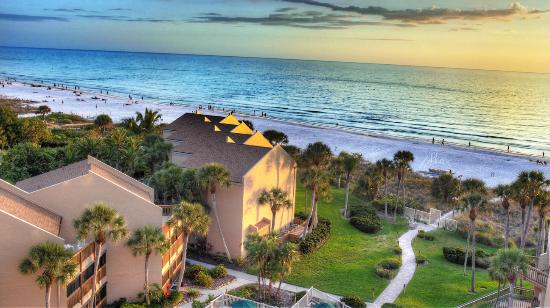 Midnight Cove Vacation Condos On Siesta Key Our Townhomes The Beach