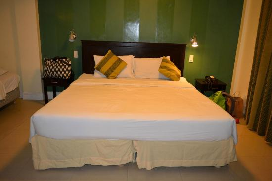Hotel EuroAsia : King Size Bed