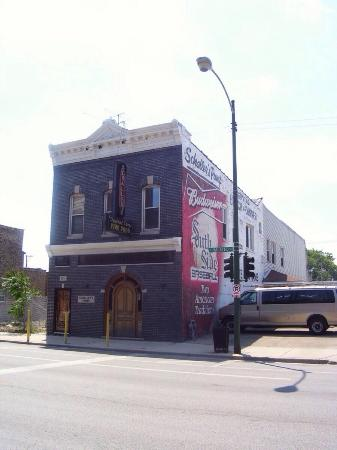 Photo of American Restaurant Schaller's Pump at 3714 S Halsted St, Chicago, IL 60609, United States
