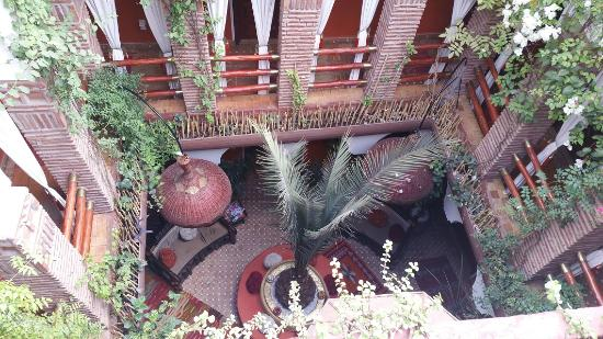 Riad CharCam: patio