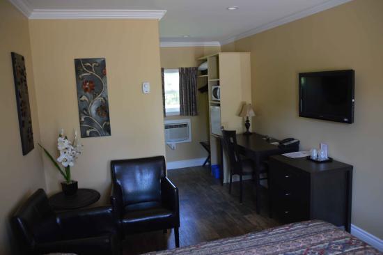 Clark's Sunny Isle Motel: 1 Queen bed
