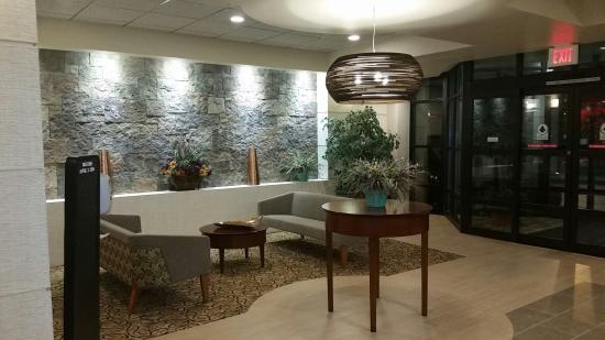 Best Western Plus Butte Plaza Inn: Spacious Lobby