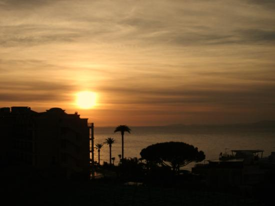Hotel La Meridiana: Beautiful sunsets from our balcony