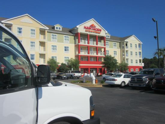 Hawthorn Suites by Wyndham Panama City Beach FL : front of hotel