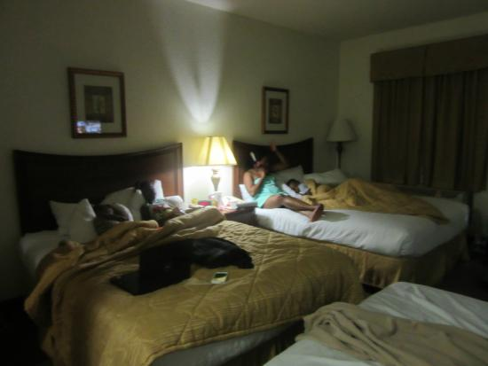 Hawthorn Suites by Wyndham Panama City Beach FL : double queen suite with sofa bed