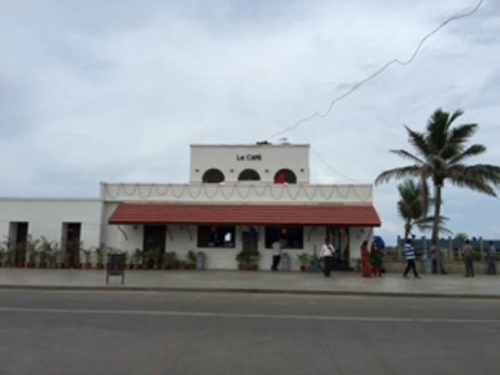 Le Cafe . Beach. Not Just Coffee: Le Cafe, Promenade Beach, Pondicherry