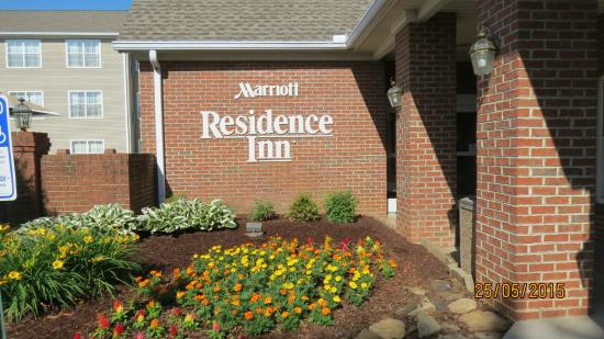 Residence Inn Knoxville Cedar Bluff : Close up view