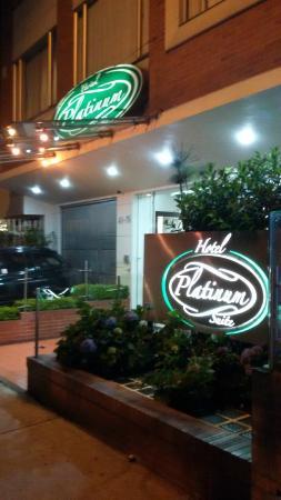 Hotel Platinum Suite: Fachada