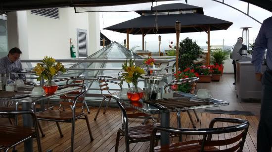 Hotel Platinum Suite: Área Café