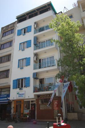 Urkmez Hotel: Hotel Entrance