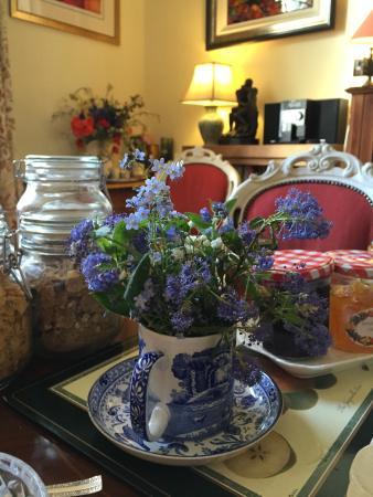 Hanover House: Charming English Breakfast