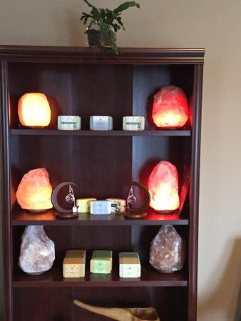 Inis Spa: Salt lamps and local gifts available