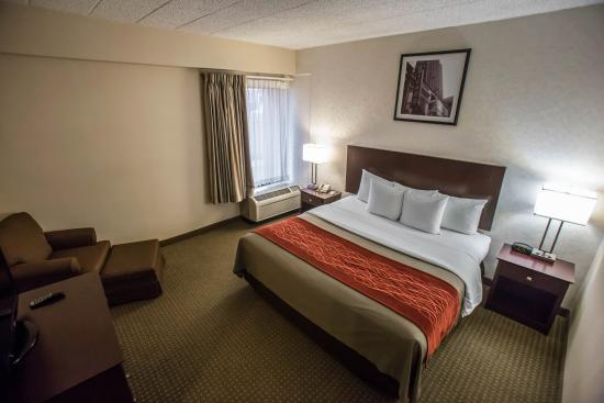 Comfort Inn O'Hare: King Bedroom