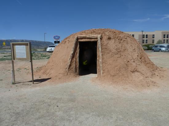 Kayenta, AZ: Navajo dwelling