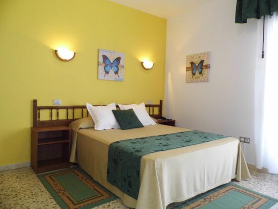 Hotel Arboleda: Habitación.