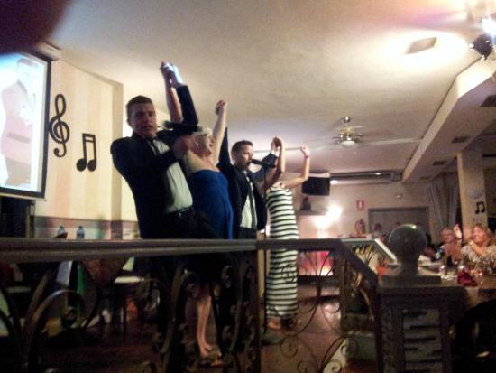Premier Bar & Restaurant : Fun Night at the Premier Bar - Thanks Guys