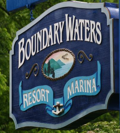 Boundary Waters Resort & Marina: Sign