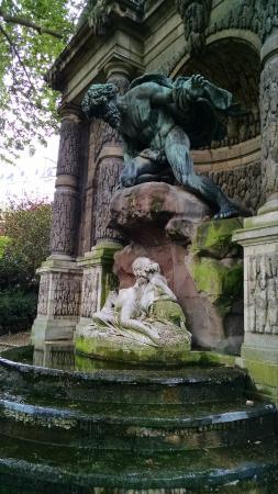 Παρίσι, Γαλλία: Fountain of the Medicis