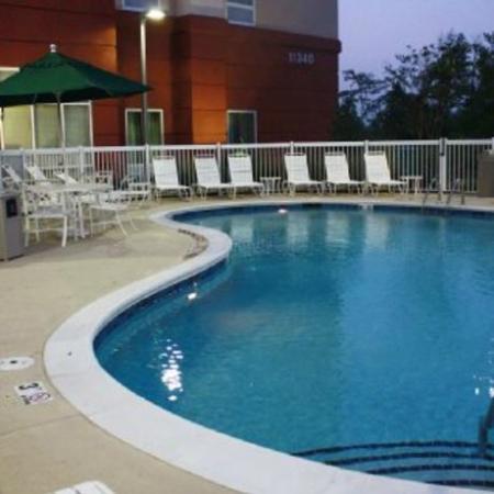 Hampton Inn & Suites Knoxville-Turkey Creek: бассейн