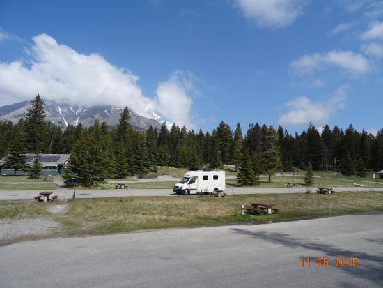 Tunnel Mountain Village II Campground: Glorious isolation