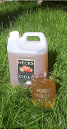 ‪Hecks Farmhouse Cider‬