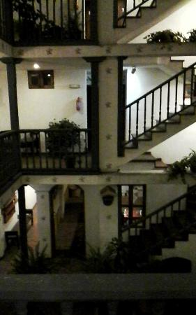 Hotel Dona Esther: The courtyard