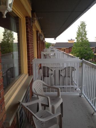 Hotellerie Jardins de ville : balcon