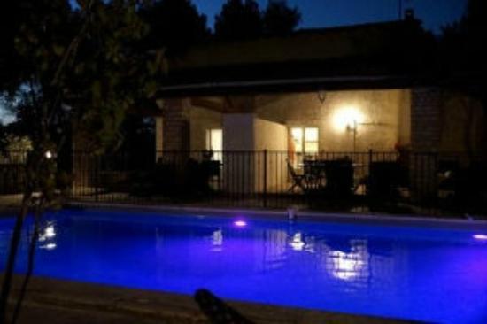 Le Domaine d'Alèzen : piscine