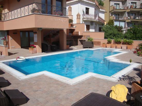 Villa Barone - Luxury B&B: The swimming pool